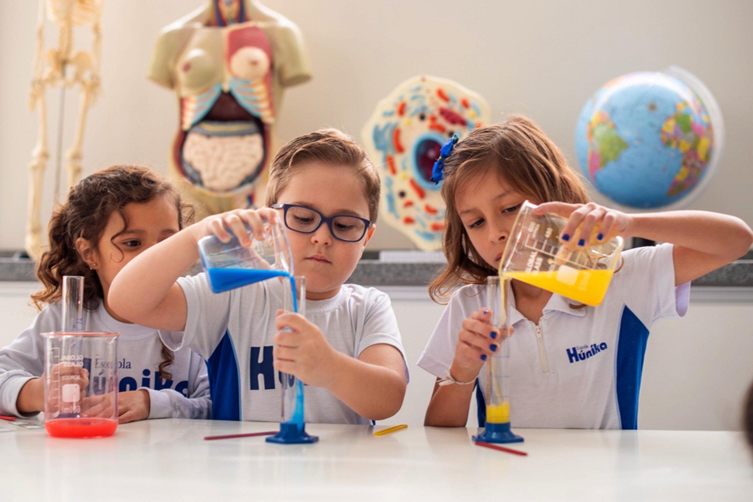 colégio com laboratório ciências